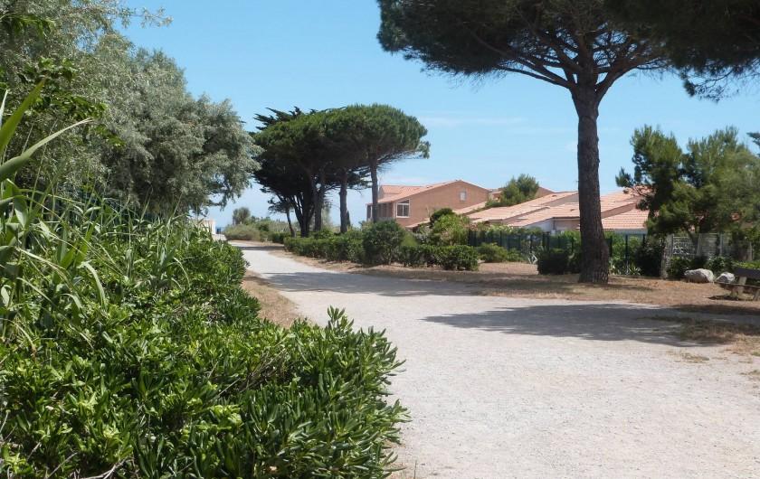 Location de vacances - Villa à Gruissan Plage - accès à la plage