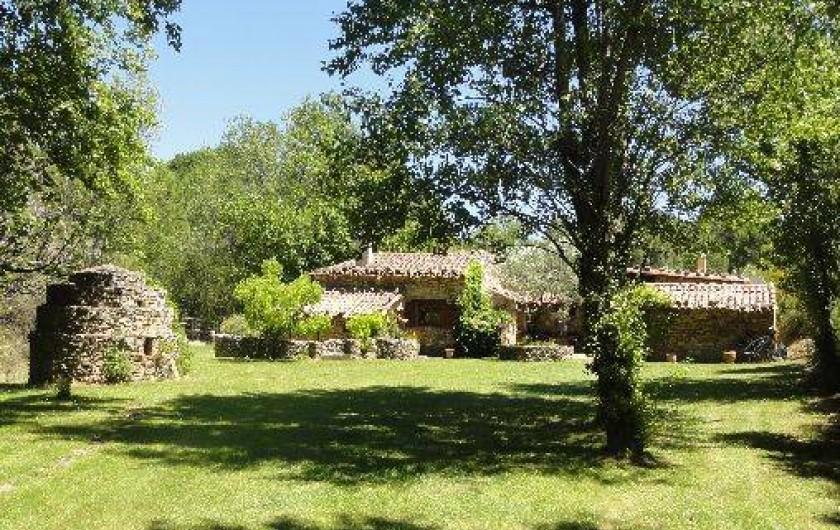 Location de vacances - Mas à Mourèze - Entrée de la maison