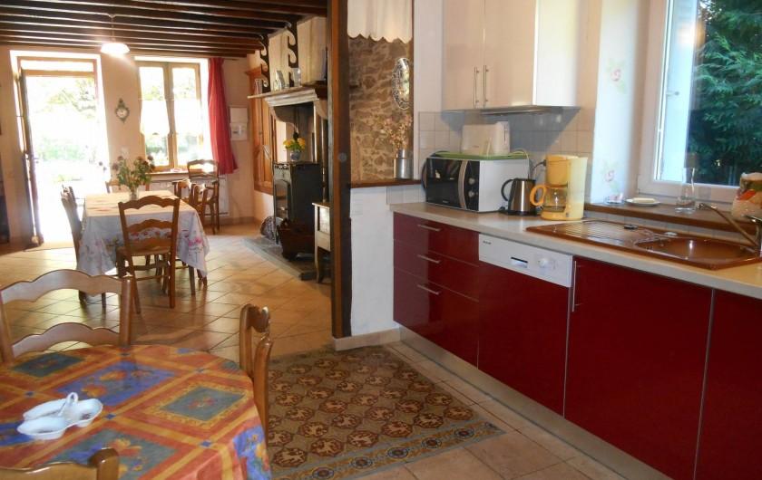 Location de vacances - Maison - Villa à Nouzerolles - vue de la cuisine