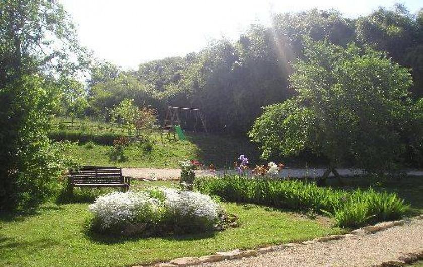 Location de vacances - Gîte à Saint-Chamassy - jardin