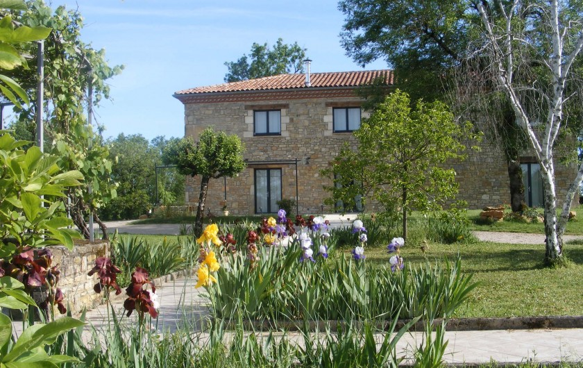 Location de vacances - Gîte à Saint-Antonin-Noble-Val - Votre grand gite vous attend dans un cadre enchanteur
