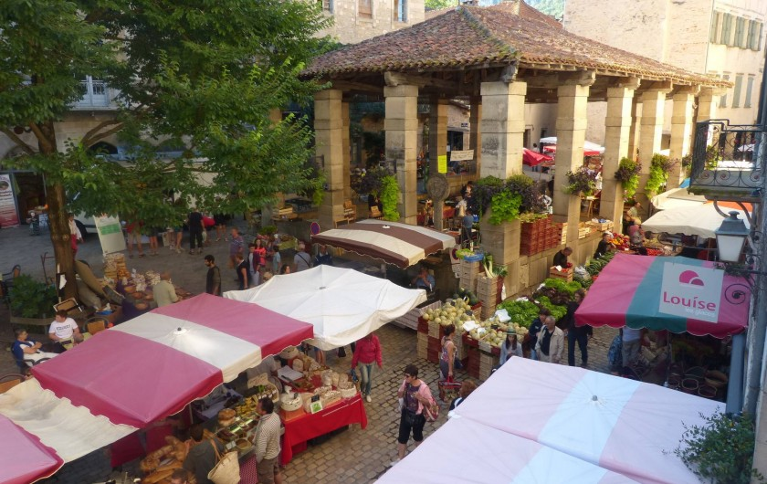 Location de vacances - Gîte à Saint-Antonin-Noble-Val - Le très couru marché de St Antonin