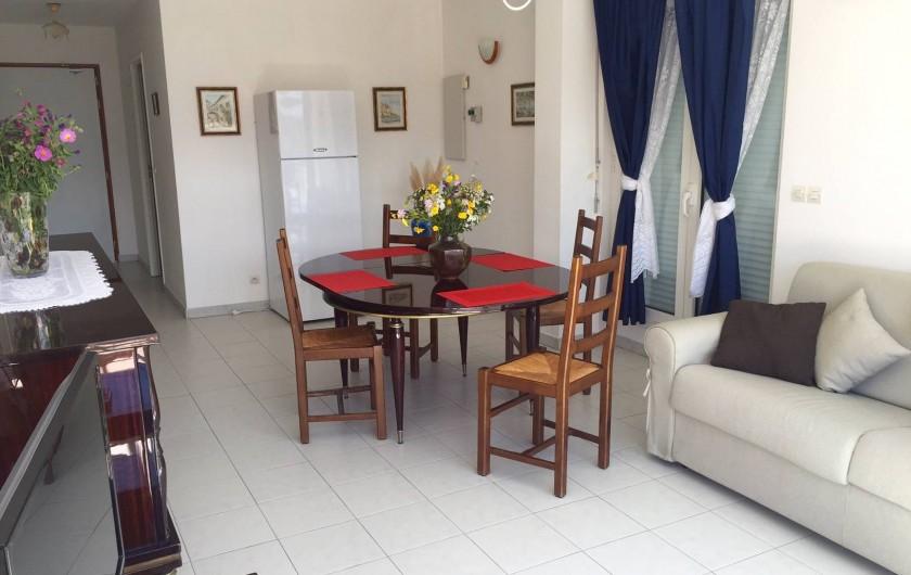 Location de vacances - Appartement à Calvi - Salon/Salle à manger