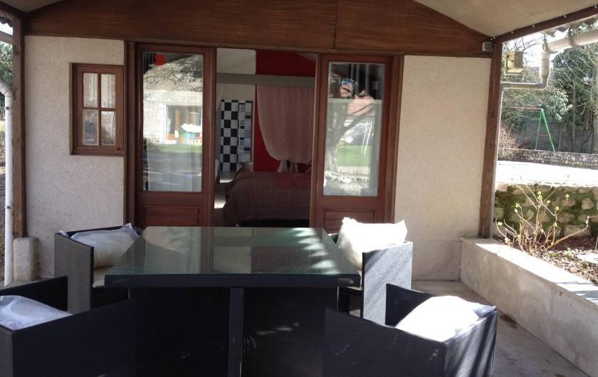 Location de vacances - Chambre d'hôtes à Messas - Terrasse privée.