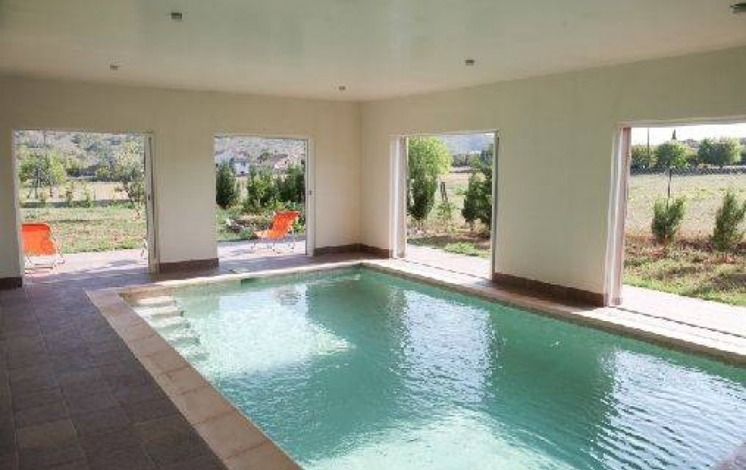 Villa Climatisee Avec Piscine Interieure Privee Chauffee A Montreal