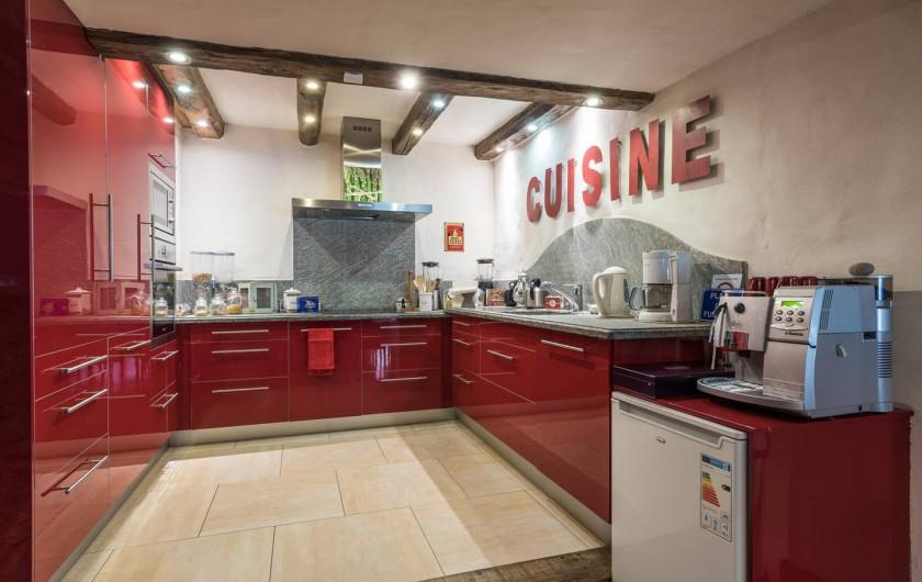 Location de vacances - Chalet à Sainte-Foy-Tarentaise - Cuisine familiale