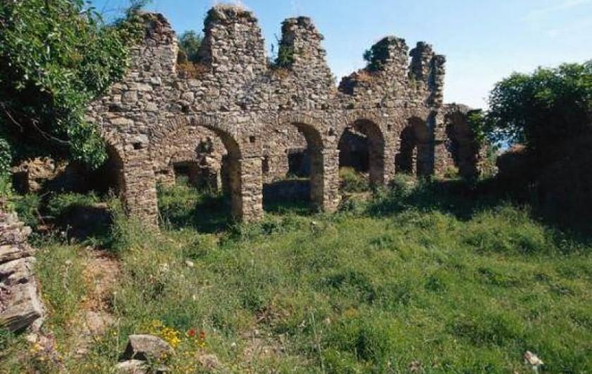 Location de vacances - Bungalow - Mobilhome à Ghisonaccia - Cuvent ruiné San' Francescu Prunelli-Albitrone (20 km)