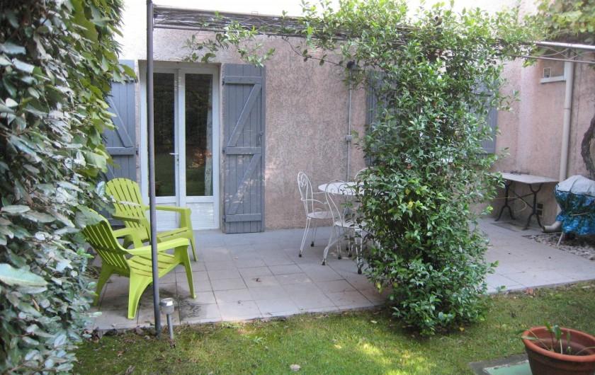 Location de vacances - Appartement à Aix-en-Provence - Terrasse avec barbecue