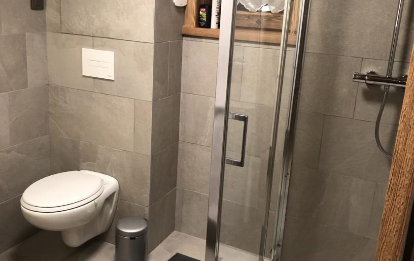 Location de vacances - Chalet à Chamonix-Mont-Blanc - ...Avec douche..