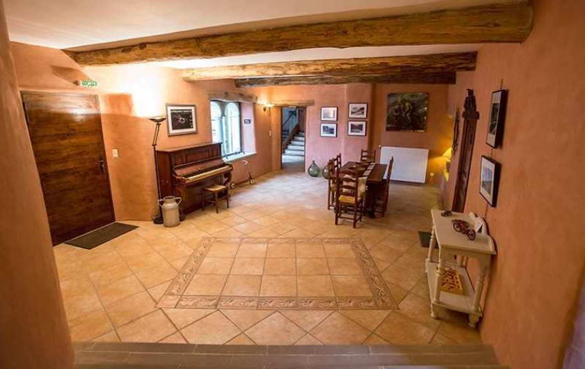Location de vacances - Gîte à Castanet-le-Haut - Salon 40m²