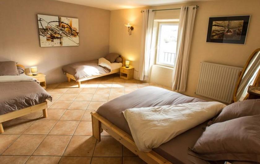 """Location de vacances - Gîte à Castanet-le-Haut - Chambre """"le Séchoir"""" 25m²"""