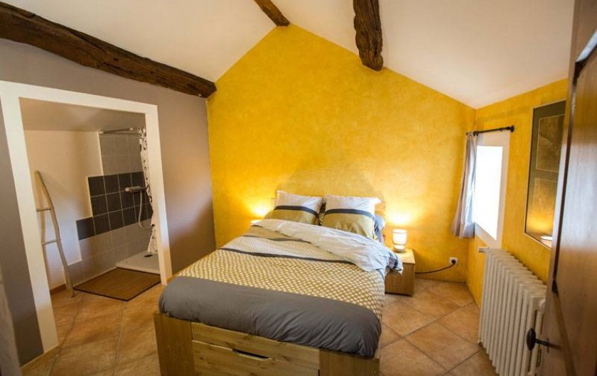 """Location de vacances - Gîte à Castanet-le-Haut - Chambre """" la pailler"""" 15m²"""