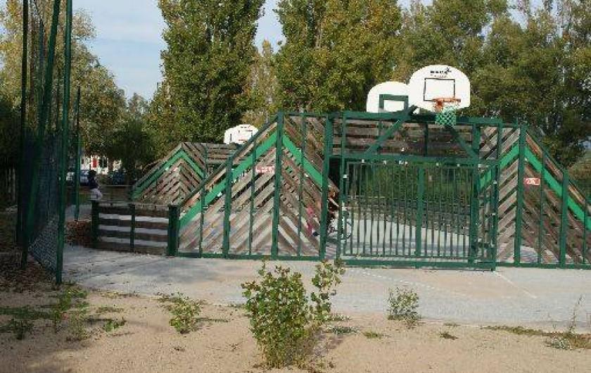 Location de vacances - Bungalow - Mobilhome à Fréjus - Terrain de basket