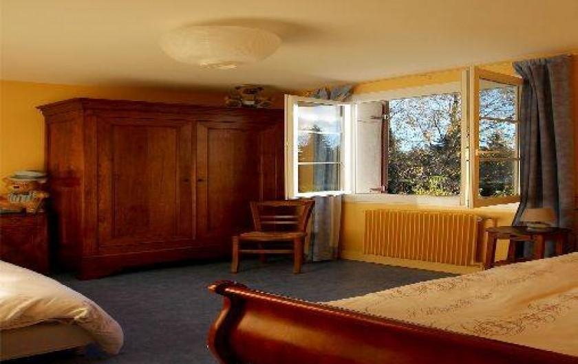 Location de vacances - Gîte à Autun - La chambre 'jaune '  rez de chaussée -2 lits de une personne.