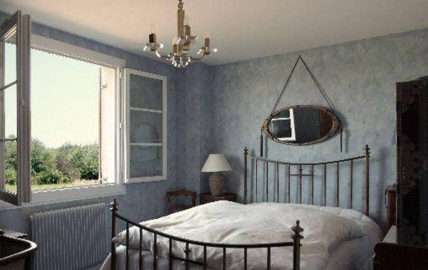 Location de vacances - Gîte à Autun - La chambre 'bleue'  1er étage - 2 Personnes