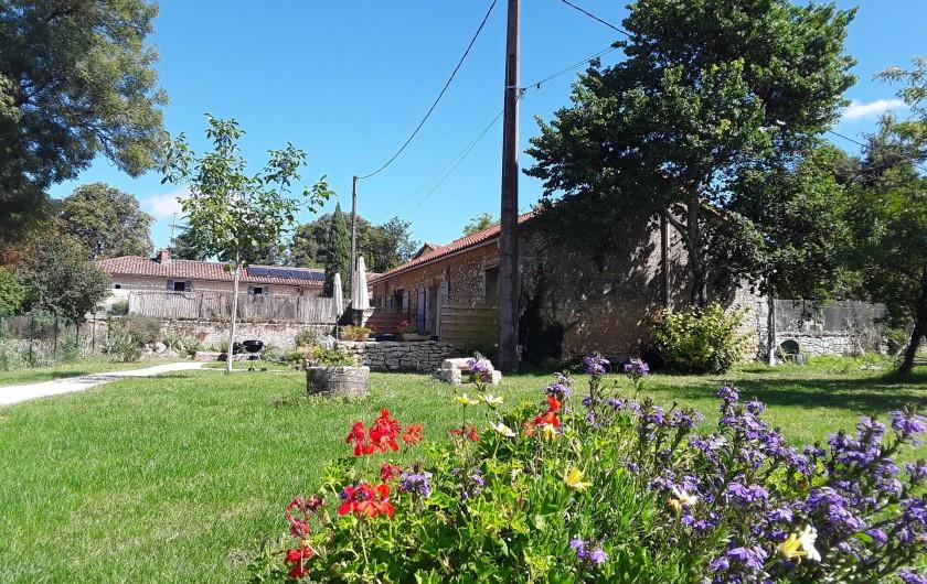 Location de vacances - Gîte à Sorges et Ligueux en Périgord - jardin