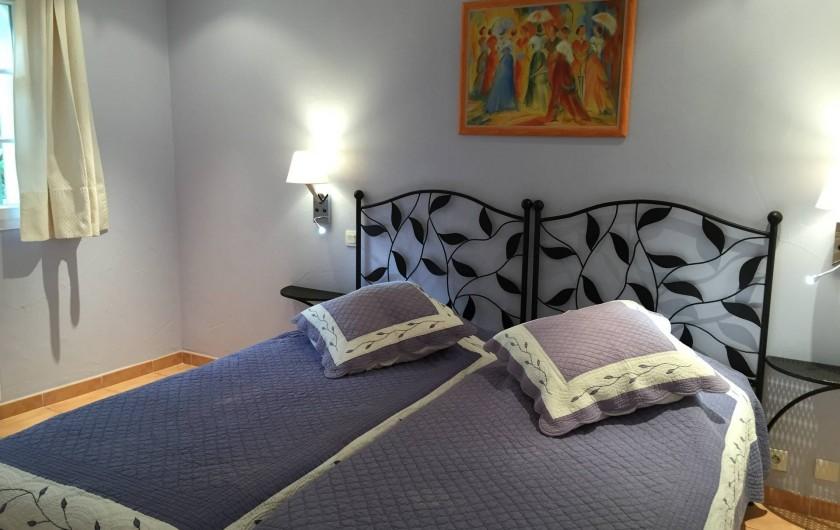 Location de vacances - Villa à Carros - Deuxième chambre climatisée
