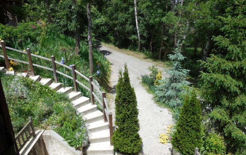 Location de vacances - Chalet à La Bâtie-Vieille - Devant le chalet