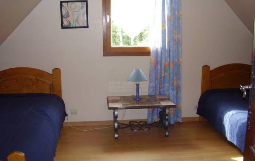Location de vacances - Chalet à La Bâtie-Vieille - 2 ème chambre avec 2 lits simples