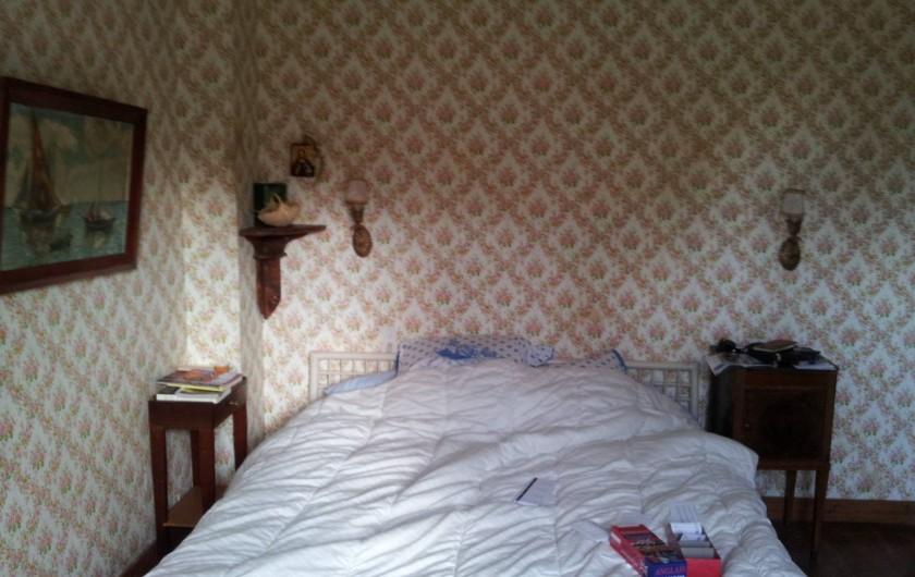 Location de vacances - Villa à Sarzeau - la chambre de parents et son papier peint collector 1° niveau