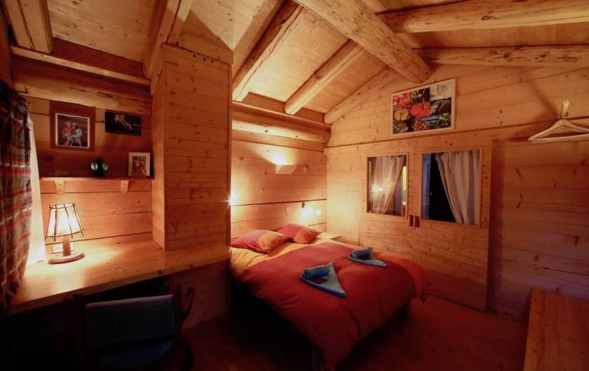 Location de vacances - Chalet à Manigod - chambre Charvin avec lit 1m60 X 2m