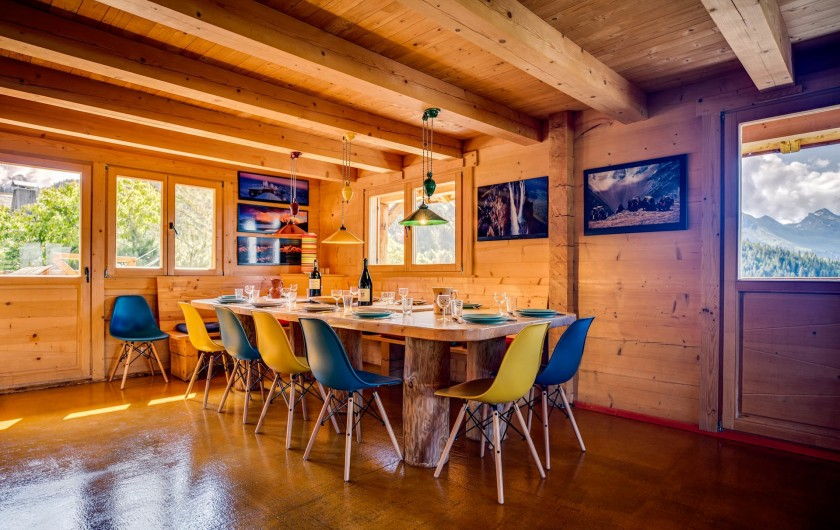 Location de vacances - Chalet à Manigod - Table X-large (3m50 X 1m25).