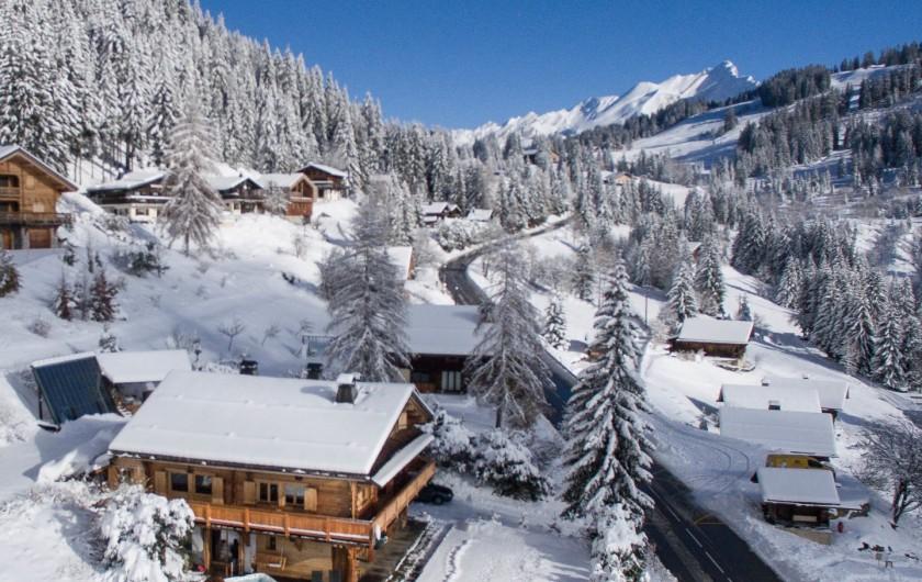 Location de vacances - Chalet à Manigod - Après le ski, vous pouvez vous détendre dans le Jacuzzi à 39°