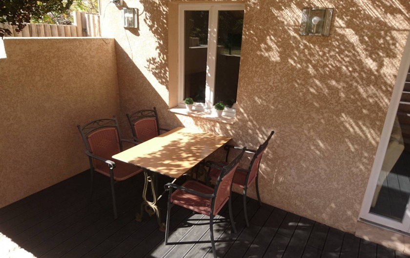 Location de vacances - Gîte à Orgon - Terrasse privative du gîte...