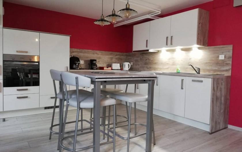 Location de vacances - Appartement à La Cluse-et-Mijoux - La cuisine équipée