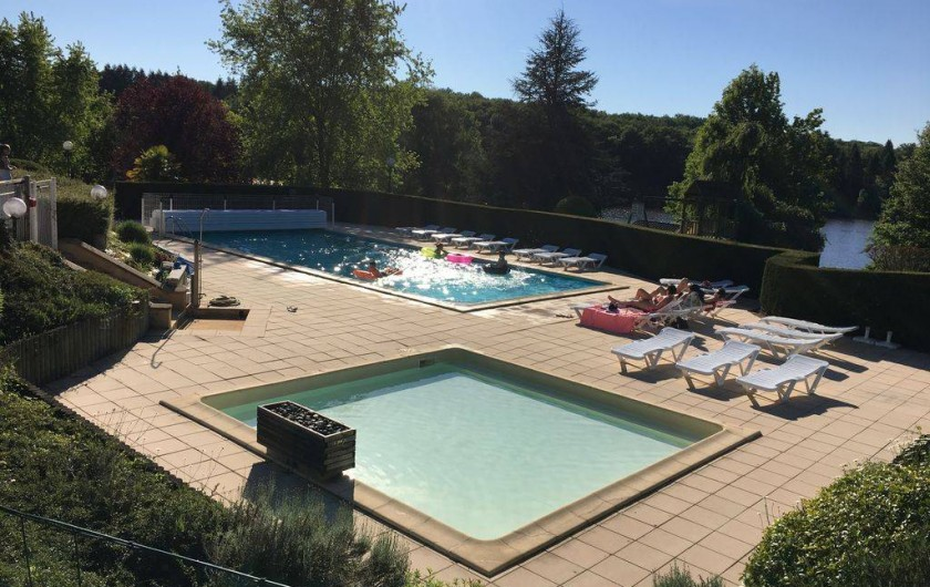 Location de vacances - Chalet à Miallet - La piscine