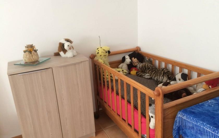 Location de vacances - Maison - Villa à Île-d'Aix - lit bébé chambre 3