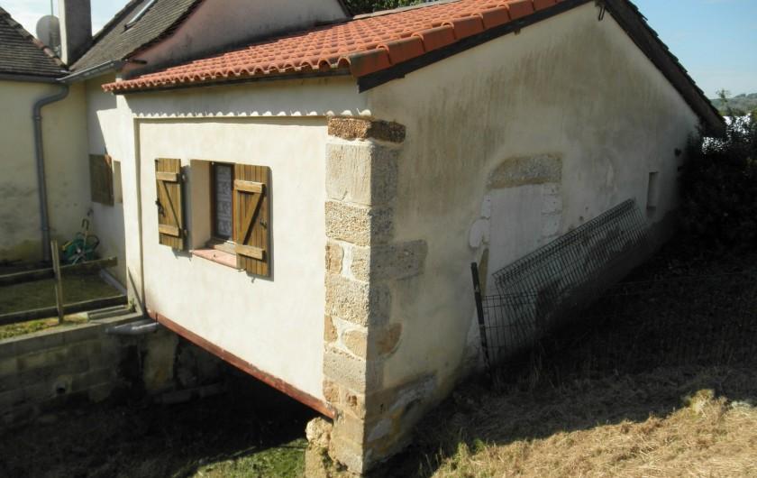 Location de vacances - Gîte à Piets-Plasence-Moustrou - Arrière du gîte , coté ruisseau