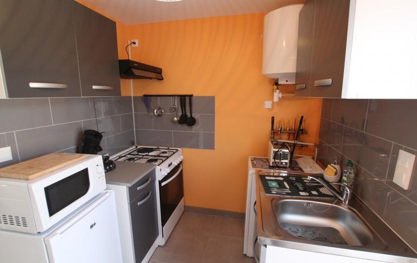 Location de vacances - Appartement à Yvetot-Bocage - CUISINE