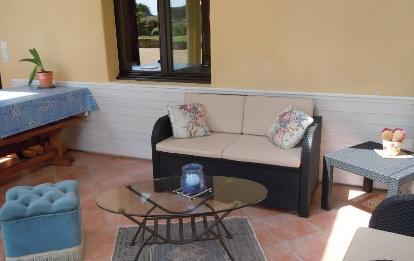 Location de vacances - Gîte à Trédrez-Locquémeau - Coin salon dans la véranda