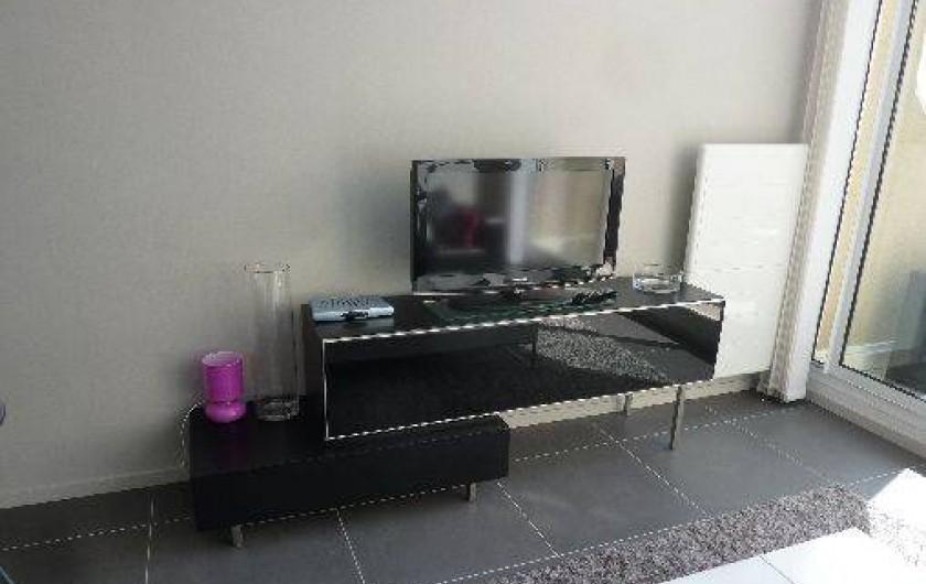 Location de vacances - Appartement à Saint-Malo - salon + tv
