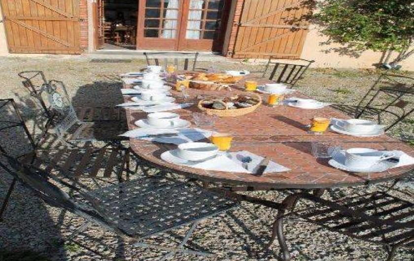 Location de vacances - Chambre d'hôtes à Chavagnes-en-Paillers - terrasse pour le petit déjeuner