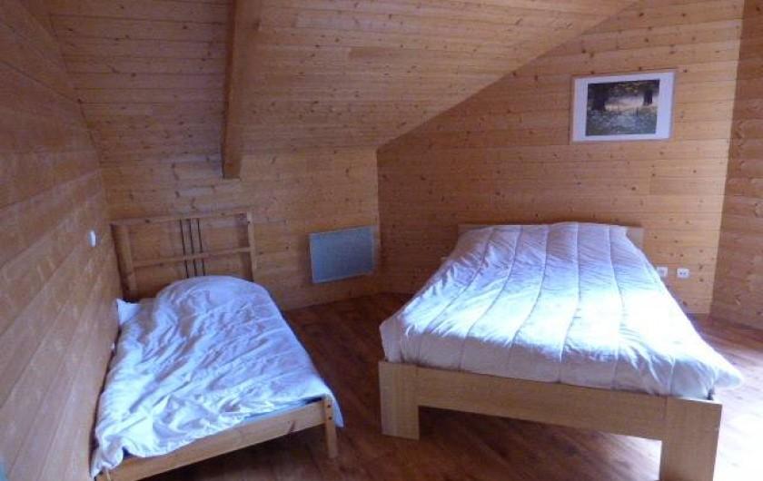 Location de vacances - Chalet à Les Orres - une des chambres du melezet