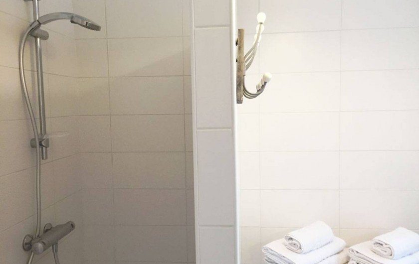 Location de vacances - Gîte à Sarlat-la-Canéda - La douche du gite
