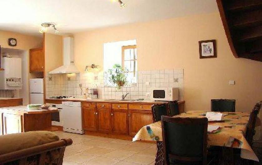 Location de vacances - Gîte à Bun - Espace cuisine/salle à manger