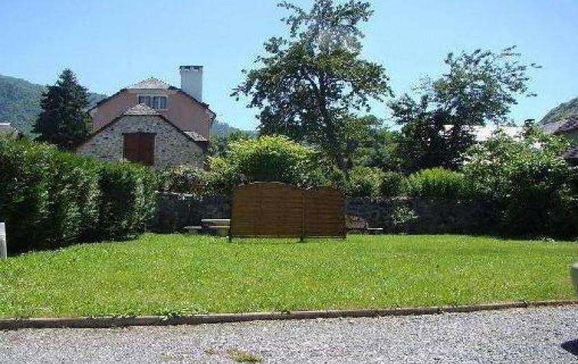 Location de vacances - Gîte à Bun - Le Jardin vu du gîte