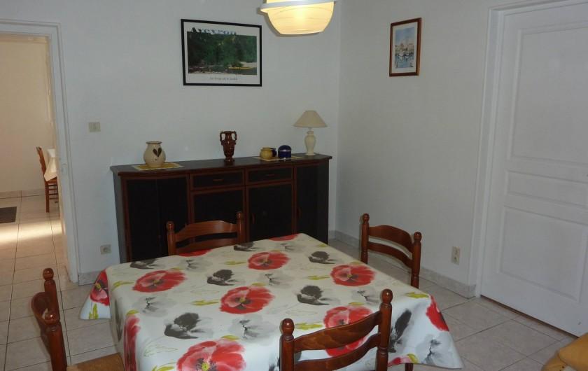 Location de vacances - Appartement à Cransac - Salon/salle à manger
