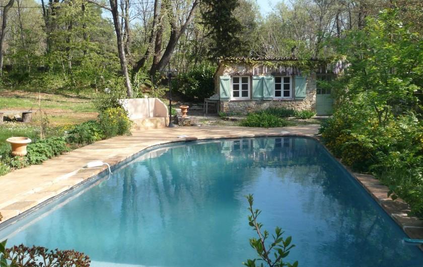 Location de vacances - Chambre d'hôtes à Montauroux - Piscine