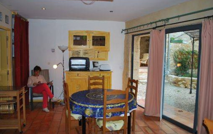 Location de vacances - Studio à Saint-Victor-la-Coste - studio espace jour