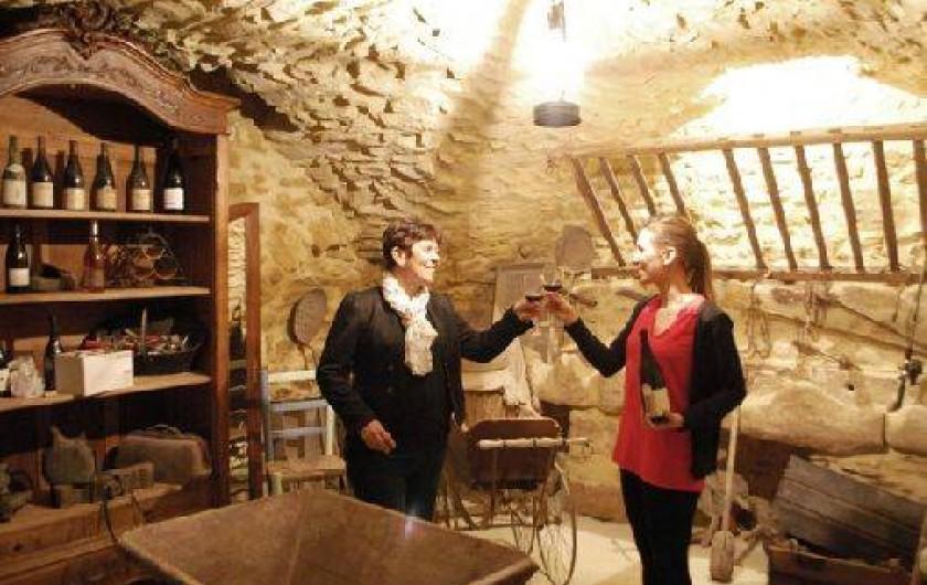 Location de vacances - Studio à Saint-Victor-la-Coste - dégustation vin de Laudun   dans l'ancienne écurie