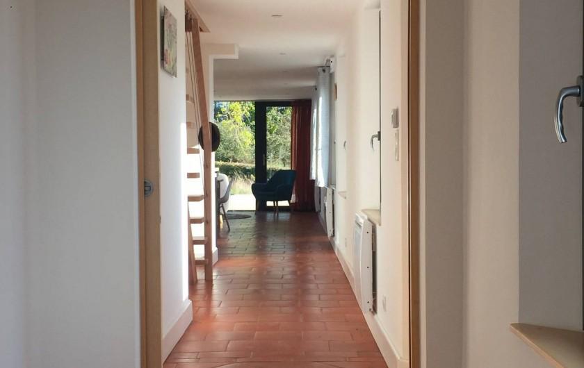Location de vacances - Maison - Villa à Azincourt - Couloir depuis la partie parentale (chambre 1 + salle de bain 1)