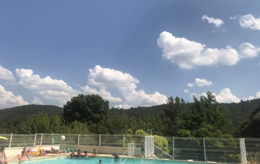 Location de vacances - Maison - Villa à Saint-Martin-de-Brômes - Piscine de la copropriété