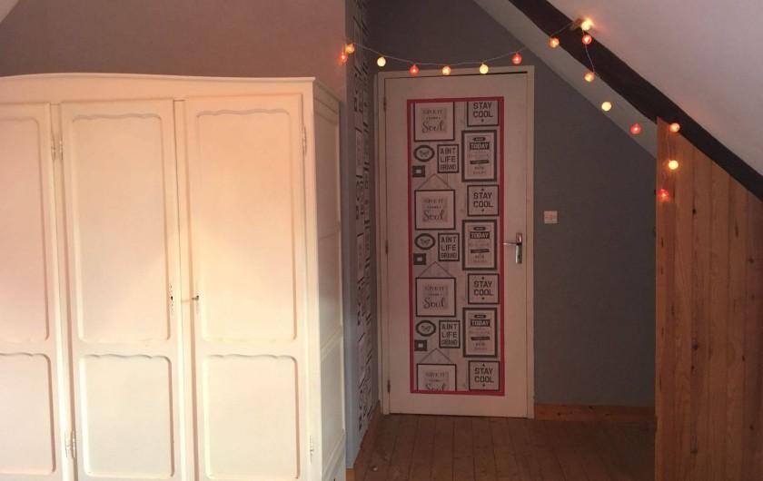 Location de vacances - Gîte à Goudelin - Chambre au lit rond