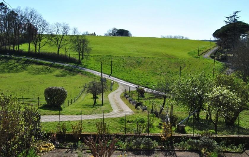 Location de vacances - Chambre d'hôtes à Saint-Avit-Sénieur - En printemps le soleil est déjà là