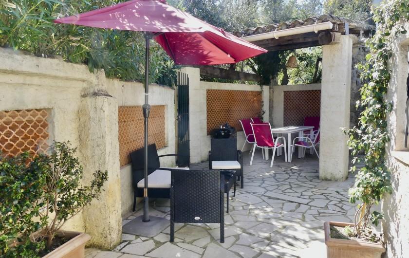 Location de vacances - Maison - Villa à Mandelieu-la-Napoule - Cour intérieur privative