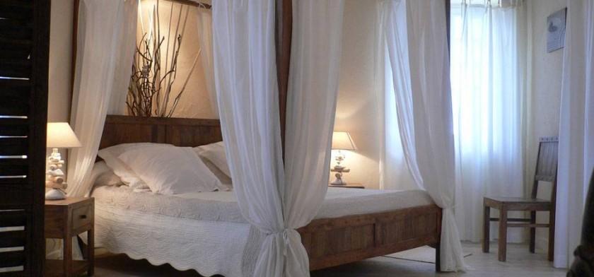 Chambre Zénitude le lit à baldaquin 160